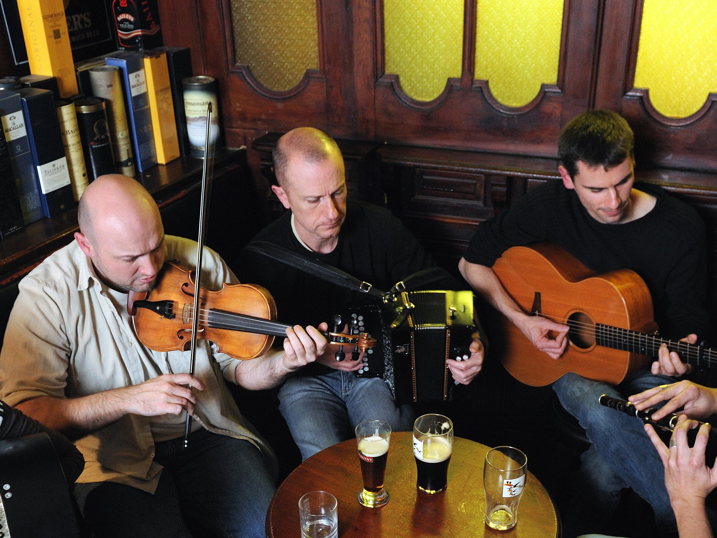 DIMANCHE 28 JANVIER – SHELTA IRISH MUSIC – LA FERME BIO – PIGEROLLES