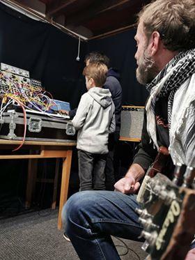 Atelier d'initiation aux systèmes modulaires 12/02/20crédit photo : Arno Mori